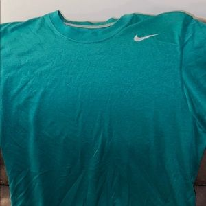 Nike dry fit short sleeves forest green